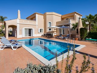 4 bedroom Villa in Estômbar, Faro, Portugal - 5577053