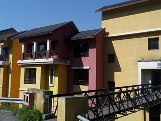 Tripvillas Spacious 2 BHK Apartment with Lakeview - LS13