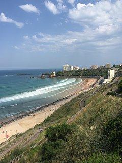 Plage des Basques vue du haut de Escaliers des Cent Marches