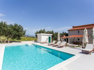 4 bedroom Villa in Kastel Gomilica, Croatia - 5577051