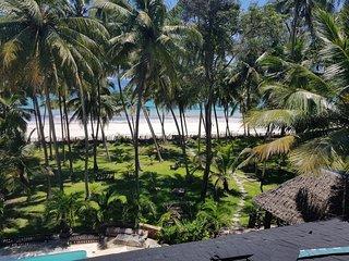 PARADISE     Kivulini Beach Villa Absolute Beach Paradise.