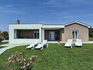 2 bedroom Villa in Valdebek, Istria, Croatia : ref 5576999