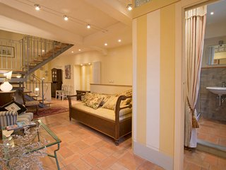 2 bedroom Apartment in Cortona, Tuscany, Italy : ref 5576993