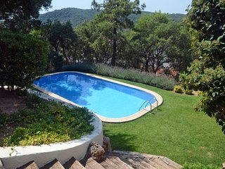 Tamariu Villa Sleeps 8 with Pool - 5574643