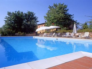 6 bedroom Apartment in Castelluccio, Tuscany, Italy : ref 5577007