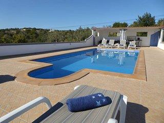 4 bedroom Villa in Faro, , Portugal : ref 5434660