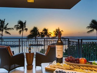 A TRUE Beachfront Villa - Luxury - Privacy - Mesmerizing Ocean Views
