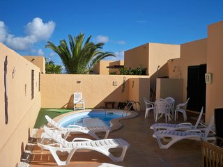 3 Bedroom house near Corralejo with private pool sleeps up to 8