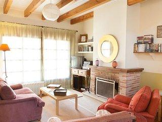 Casa de campo Fresno con piscina Monte Almenara, a 17 km de Salamanca
