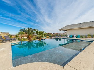 777RENTALS - Green Valley Oasis - Tennis Court, Volleyball Court, Pool, Spa