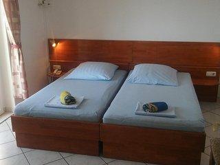 Room Stanici, Omis (S-14783-b)