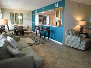 Dockside 402 2 BR / 2 BA Waterfront April & May Specials Clearwater Beach