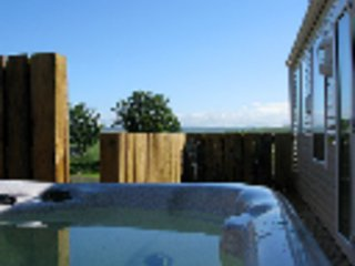 Low Glengyre Luxury Caravan with Hot Tub