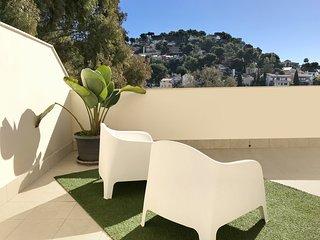 Bonito Apartamento en Málaga capital con terraza, wifi y piscina.