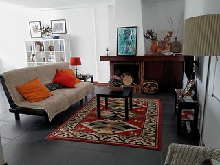 135 sqm 4 bedroom flat all to yourself at 650 m from Braga historical center