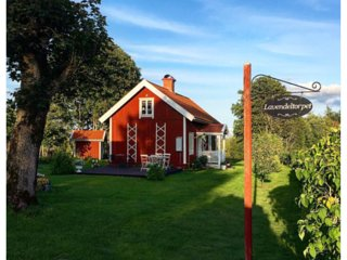 Swedish Cottage with bed and breakfast