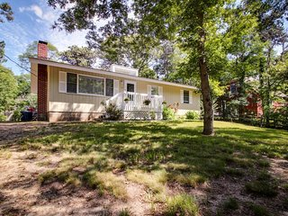Charming house with lots of entertainment and gourmet kitchen!