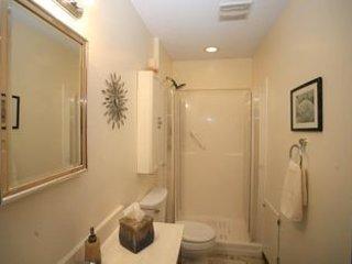 Sun Shine House 4 beds 2 baths 1,968 sqft