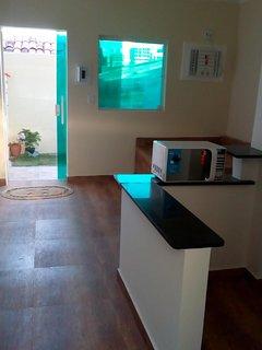 Aluga-se mini apartamentos modernos de nova construcao completos com piscina