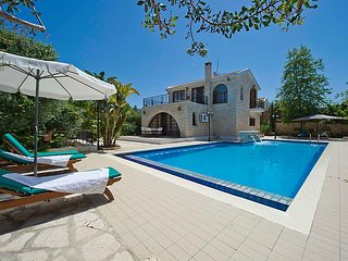 costantinos villa