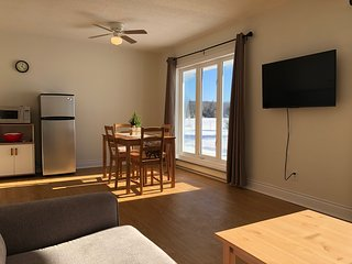 The Shores of Deer Lake - White Pine Suite