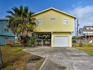 NEW! 2BR Jamaica Beach Home - Walk to Shore & Bay!