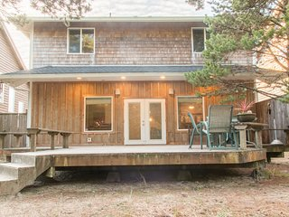 Haystack Haven #108-4 bed Pacific City home, spacious layout, gas fireplace, WIF