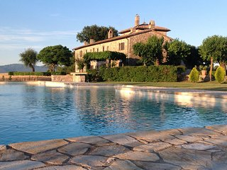 TENUTA PULCERIA, Luxury spacious villa, huge pool and 360 degree views