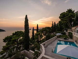 Villa Premium Dubrovnik – Luxury residence with private beach and pool, Dubrovni