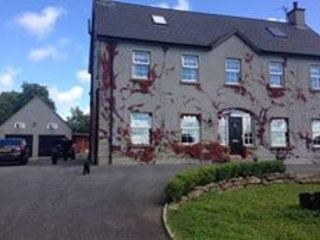 Executive Five bedroom property set on four acres, with its own river