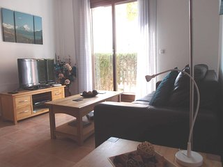 Aguilas hillside apartment in quiet location