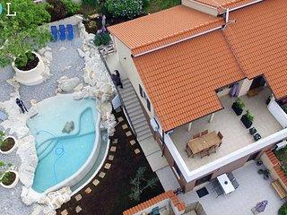 Zelfstandig appartement in een woonvilla met privé zwembad