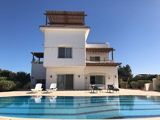 Fantastic 4 Bedrooms Villa for rent at El-Gouna