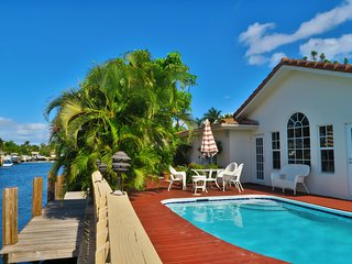 Villa Coral Ridge ;Heated Pool;deck;ocean access