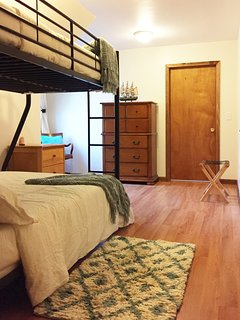 Full/Twin Bedroom