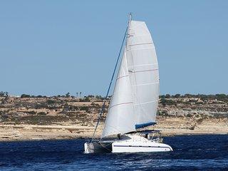 Location catamaran de luxe avec skipper et hotesse