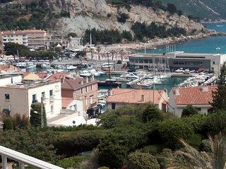 Loc Vacances Cassis Mediter 50m2 calme 3 mn port+plages+commerces a pied Prking
