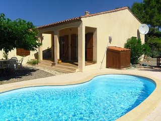 Villa los Pinos - Spacious 3 Bedroom Detached Villa with Private Pool & Wifi