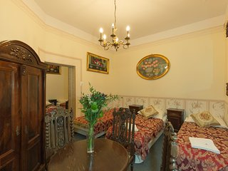 Antique Style Apartment M11