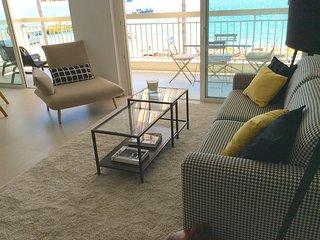 LE NEPTUNIA RIVIERA Appartement face mer et plages