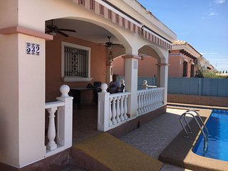 3 Bedroom, 2 bathroom detached villa with private pool and solarium