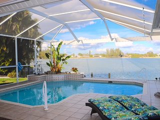'Villa Lake View' Heated pool & spa at beautiful Lake Sea breeze, Relaxing