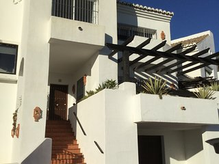 Casa Zarina, near Istan and Puerto Banus 3 beds great views