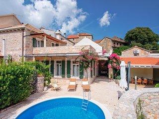 Luxury Villa Mendula**** with pool on island Hvar