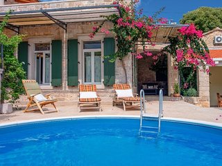 Luxury Villa Mendula**** with pool on island Hvar