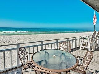 Island Time- Wonderful Private Beachfront Home - Beautiful!!!