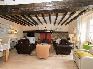 Fabulous Cottage near Medieval Chateaux.