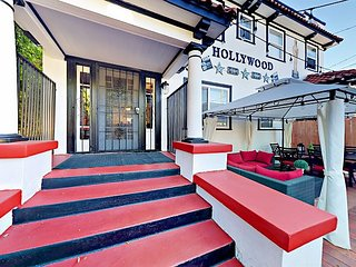 Contemporary Los Angeles Townhome - Walk to Major Sights on Hollywood Blvd