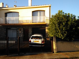 40 m2 + jardin dans maison avec jardin et parking ferme