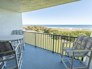 Sit perched up on the high top chairs and enjoy the ocean breeze from the direct oceanfront balcony